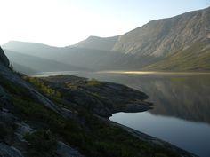 Rago, Norvegia Parco nazionale Rago, Norvegia: si trova nella contea di Nordland e confina con il Parco nazionale Padjelanta, che si trova in Svezia: sommando le superfici dei suoi parchi si ottiene la pi estesa area protetta d'Europa