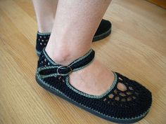 Black and Green Crochet Mary Janes | by SoleilDuAutomne