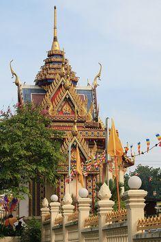 Chetawan Temple in Petaling Jaya, Malaysia (by tk_yeoh).