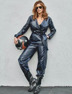 Supermodel Cindy Crawford flashes a smile on Harper's Bazaar Singapore's February 2020 cover. In front of the lens of Yu Tsai, she models a Dior jacket and boots while posing on a motorcycle. Cindy Crawford, Singapore Fashion, Leather Jumpsuit, Dior, Mode Editorials, Fashion Editorials, 90s Models, 90s Fashion, Fashion Trends