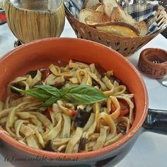 """Eines meiner Lieblingsgerichte in Italien: Scialatielli Siciliana - wunderbar zubereitet im """"O'Saraceno"""" in der ruhigen Ecke von Lignano-Sabbiadoro."""