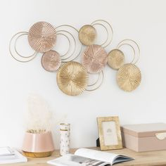 Dekoration Art circles copper Gold Maisons Metal Monde wallGold and Copper Metal Circles Wall Art 8346 Dining Room Bench Seating, Dining Sofa, Living Room Chairs, Sideboard Furniture, Hallway Furniture, Small Furniture, Furniture Stores, Gold Metal Wall Art, Metal Walls