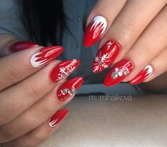 130 festive and easy christmas nail art designs you must try page 11 Xmas Nails, New Year's Nails, Holiday Nails, Red Nails, Christmas Nails, Beautiful Nail Art, Gorgeous Nails, Cute Nails, Pretty Nails