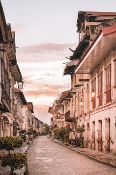 12 Best Places In The Philippines To Visit Vigan Philippines, Manila Philippines, Philippines Travel, Filipino, Philippines Wallpaper, Places To Travel, Places To Go, Makati City, West Coast Road Trip