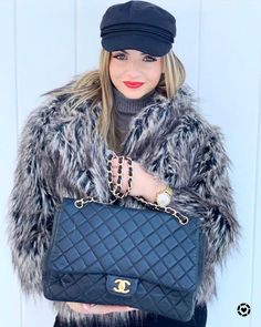This DesignerShare bag pairs perfectly with this chic faix fur coat and cabby hat!