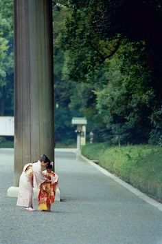 Mother and daughter wearing kimono at  Meiji Jingu Shrine in Harajuku- Tokyo, Japan  着物姿お母さんと娘