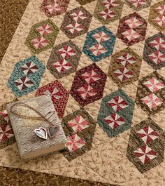 Civil War Legacies III: A Treasury of Quilts for Reproduction-Fabric Lovers (That Patchwork Place) Primitive Quilts, Antique Quilts, Vintage Quilts, Vintage Sewing, Amische Quilts, Sampler Quilts, Mini Quilts, Quilting Projects, Quilting Designs