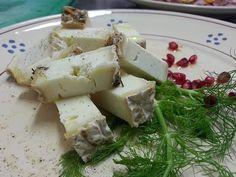 Mattonella di primo sale di pecora maturata nel fieno...PH Taverna Garibaldi in Minervino Murge...