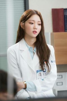 Lee Sung-kyung 이성경 (born August is a South Korean model and actress. She is known for her roles in different dramas such as It's Okay, That's Love Cheese in theTrap Doctors and weightlifting Fairy Kim Bok Joo Korean Actresses, Korean Actors, Actors & Actresses, Lee Sung Kyung Doctors, Sung Hyun, Lee Sung Kyung Hair, Lee Sung Kyung Fashion, Dream Cast, Joo Hyuk