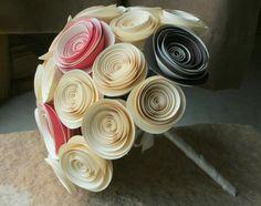 Love this idea for a paper flower boquet
