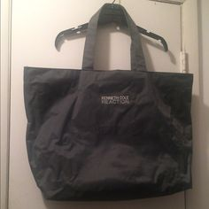 Jumbo Shoulder Bag Large. Spacious. Good Get a way weekend bag. Water resistant material Kenneth Cole Bags Shoulder Bags
