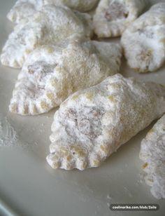 Najbolji recepti na jednom mjestu Baking Recipes, Cookie Recipes, Dessert Recipes, Kiflice Recipe, German Desserts, Chocolate Biscuits, Croatian Recipes, Holiday Cookies, Christmas Cupcakes