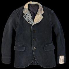 KAPITAL INDIGO SASHIKO HOBO JACKET    -100% cotton.-Indigo dyed (some crocking may occur).-Twin lower hand pockets with flap closure.    Unionmade (US)