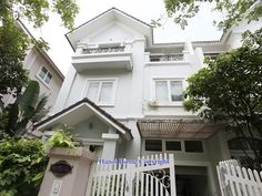 Nice house for rent in Vinhomes Riverside, 4 bedrooms