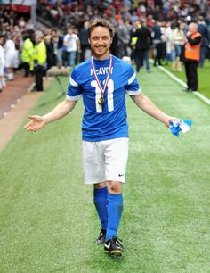 James McAvoy Photos - James McAvoy of the Rest of the World celebrates victory in the Soccer Aid 2014 match at Old Trafford on June 2014 in Manchester, England. Scottish Man, Scottish Actors, Glasgow, Tom Hiddleston, James Mcavoy Michael Fassbender, Soccer Aid, Becoming Jane, Charles Xavier, Theater