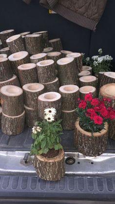 Garden Crafts, Garden Projects, Garden Art, Wood Projects, Big Garden, Love Garden, Log Planter, Wood Planters, Bamboo Planter