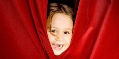 Ateliers et activités pour initier les enfants de tous les âges au théâtre : jeu de mimes, jeux d'expression, petites pièces de théâtre...