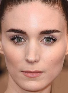 Close-up of Rooney Mara at the 2016 SAG Awards. http://beautyeditor.ca/2015/02/24/oscars-2015