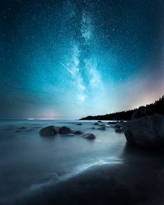 "Photo from album ""НОЧЬ"" on Yandex. Amazing Photography, Landscape Photography, Nature Photography, Night Photography, Landscape Photos, Quelques Photos, Night Aesthetic, Fantasy Landscape, Galaxy Wallpaper"