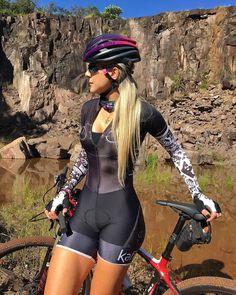 Sexy Photos: Hot Cycle Girls on bikes Gallery Bicycle Women, Bicycle Race, Bicycle Girl, Road Bike Women, Women's Cycling, Cycling Girls, Bmx, Sport Outfit, Cycle Chic