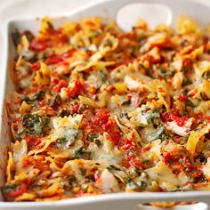 Crab and Spinach Pasta with Fontina Treat your family to a quick pasta side dish with this five-ingredient seafood masterpiece. Bow-tie pasta, frozen spinach, and canned crabmeat join pasta sauce and a sprinkle of cheese for a seriously easy casserole. Healthy Casserole Recipes, Baked Pasta Recipes, Seafood Recipes, Vegetarian Recipes, Dinner Recipes, Cooking Recipes, Healthy Recipes, Seafood Pasta, Casseroles Healthy