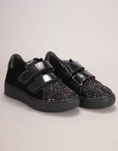 Replay's black Police trainers have patent Velcro straps, top heel trims and chunky rubber outsoles. The lo-top trainers have velveteen star panelled uppers with gritty black glitter toe caps and heel stripes. Glitter Toes, Black Glitter, Girls Coats, Bonfire Night, Winter Essentials, Replay, Velcro Straps, All Black Sneakers, Trainers