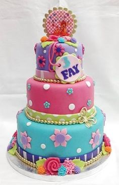 Really like this birthday cake for Miss Dylan's 2 year birthday