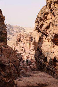 Der Zauber Jordaniens - dem Himmel so nah - Wadi Rum, Abu Dhabi, Promised Land, I Want To Travel, Holy Land, What A Wonderful World, Medieval Fantasy, Travel Around, Wonders Of The World