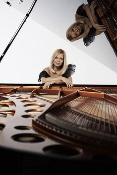 Valentina Lisitsa. Beethoven Played at Original Tempo - Orchestras couldn't keep up with the original tempo, but this lady can!