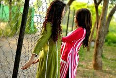Image in Selfie 🙈🙉🙊 collection by Aıshā ツ on We Heart It Cover Pics, Cover Up, Dp Photos, Tola, Gowns For Girls, Friends Forever, Besties, We Heart It, Cool Pictures