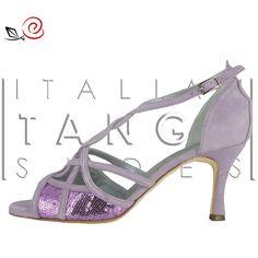 Discover Ilenia.... Tango shoes for women with interlaced design and paillettes  http://www.italiantangoshoes.com/shop/de/la-rosa-del-tango/307-ilenia.html