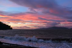 Colorful sky seen from Spanish Banks Vancouver BC. [3110 x 2073]