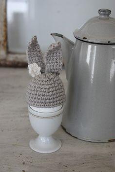 Eierwärmer in Hasenform - Osterei mit Hut - Eierwärmer mit Ohren