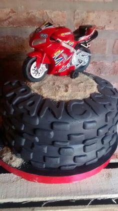 Torta ruedas de moto para Fran