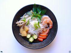 �Aujourd'hui c'est soupe de tamarin 😋Ne prenez pas peur, c'est très facile à réaliser, avec un bon bouillon parfumé ! �  A vous de jouer!    #Recette #Recipe #Cuisine #Asie #Asia #Gastronomy #Gastronomie #Food #foodporn #Tamarin #Tamarind #soup #soupe Le Tamarin, Ramen, Ethnic Recipes, Food, Okra, Thai Basil, Pork Ribs, Meal, Eten