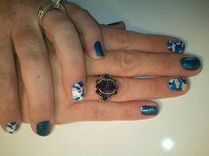 Jamberry Nails Blue Camo & Sapphire Sparkle... Country Girl Nails, Country Girls, Girls Nails, Blue Camo, Jamberry Nails, Blue Nails, Class Ring, Sapphire, Sparkle