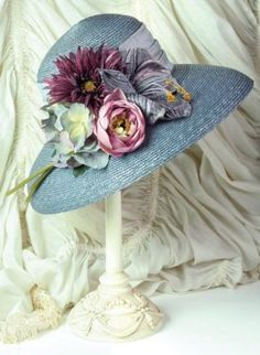 cottage garden hat stays on a hatstand for display in my entryway to my cottage Más Tea Hats, Tea Party Hats, Belle Epoque, Victorian Hats, Kentucky Derby Hats, Fancy Hats, Flower Hats, Love Hat, Hats For Women