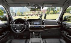 2017 Toyota Highlander steering wheel, lcd screen, gear shift knob