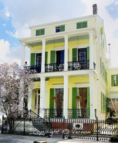 Garden District New Orleans, Louisiana. God I've wanted to live in the Garden District for so LONG New Orleans Homes, New Orleans Louisiana, Louisiana Usa, Cabana, New Orleans Garden District, Florida, Historic Homes, Victorian Homes, Old Houses