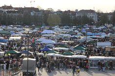 BRK Riesenflohmarkt auf dem Frühlingsfest München 2012