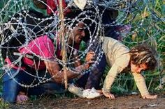 Resultado de imagem para IMAGENS da  fuga dos refugiados pelo mar egeu