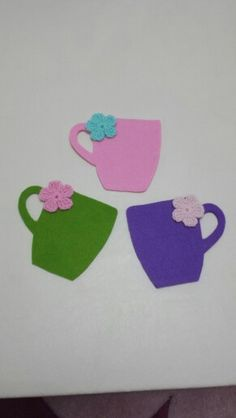 Bardak #altlığı #keçe Cute Coasters, Felt Coasters, Felt Crafts Patterns, Sewing Patterns, Sewing Toys, Sewing Crafts, Felt Templates, Felt Christmas Decorations, Felt Bunny