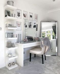10 vanity mirrors with light ideas you need to spruce up your vanity table GirlsRoom AmourRoom BestBedroomGirls VanityMirrorWithLights - Dressing Table Organisation, Dressing Table With Chair, Dressing Tables, Vanity Organization, Makeup Storage, Organization Ideas, Bedroom Organization, Bedroom Storage, Storage Ideas