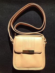 Steve Madden Light Tan Gold Crossbody Wallet Small Womens Purse Travel #SteveMadden #MessengerCrossBody
