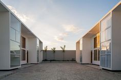 AV Houses / Corsi Hirano Arquitetos