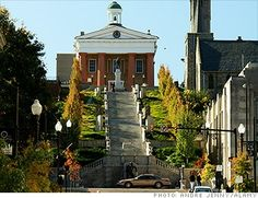 Steps to Lynchburg Courthouse