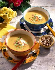 Unser beliebtes Rezept für Feine Gemüse-Creme-Suppe und mehr als 55.000 weitere kostenlose Rezepte auf LECKER.de.