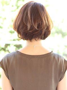 Hair Cuts – above the shoulder Medium Hair Styles, Curly Hair Styles, Corte Y Color, Edgy Hair, Layered Haircuts, Long Hair Cuts, Short Bob Hairstyles, Stylish Hair, New Hair