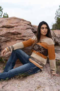 Apr 2020 - What cowgirl doesn't love a statement sweater? Our Alta sweater is made from a soft cotton acrylic blend with the most beautiful blue Aztec pattern. Casual Dress Outfits, Summer Dress Outfits, Casual Summer Dresses, Cool Outfits, Fall Fashion Trends, Boho Fashion, Autumn Fashion, Cowgirl Fashion, Country Outfits