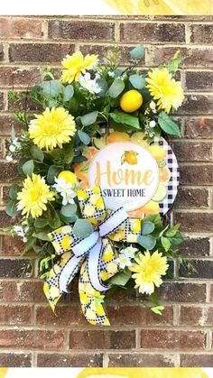 Lemon Kitchen, Kitchen Redo, Holiday Wreaths, Holiday Crafts, Diy And Crafts, Paper Crafts, Decorating Ideas, Craft Ideas, Spring Home Decor